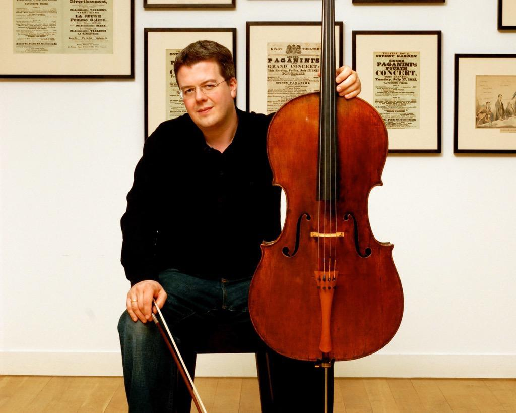 Paul Watkins, conductor and violoncello